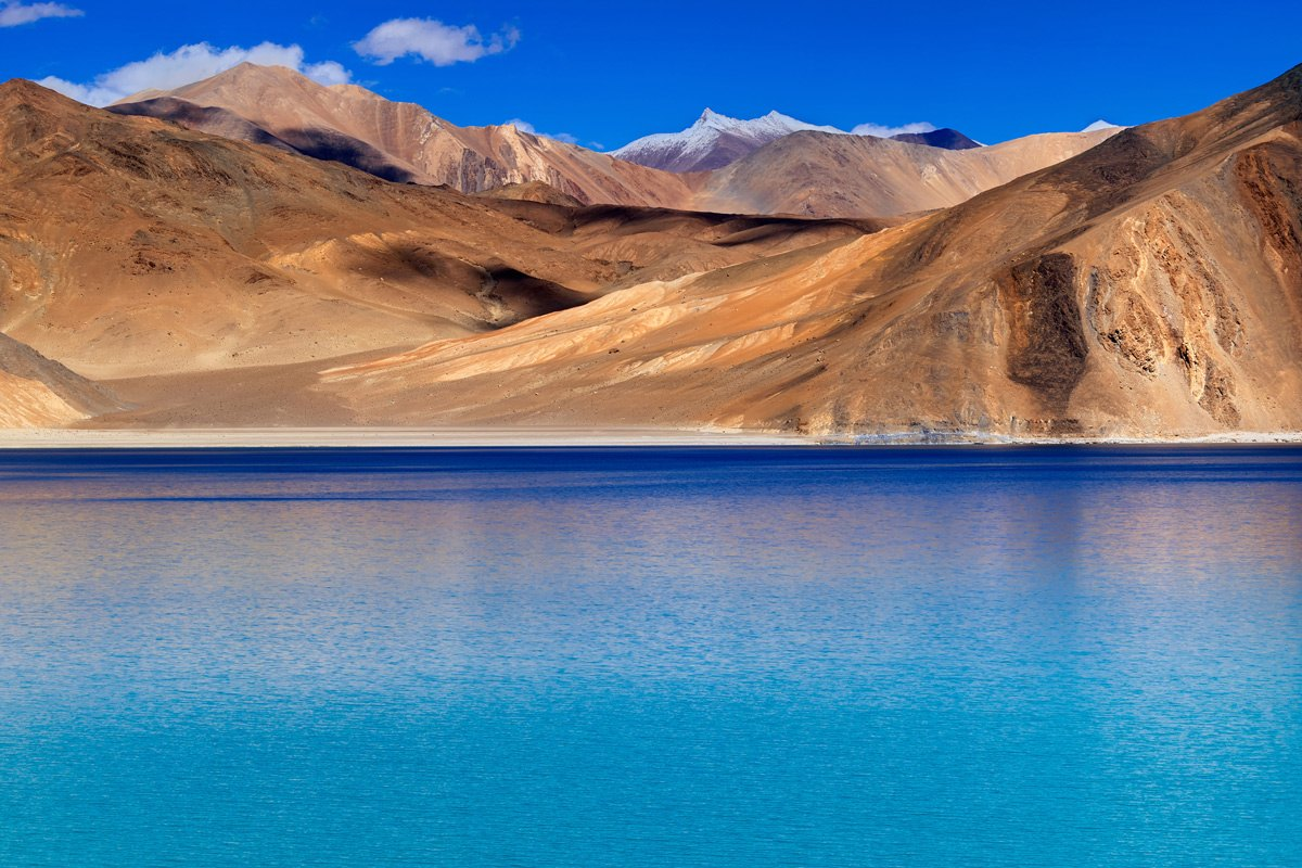 India-Mountains-and-Pangong-tso-(Lake)