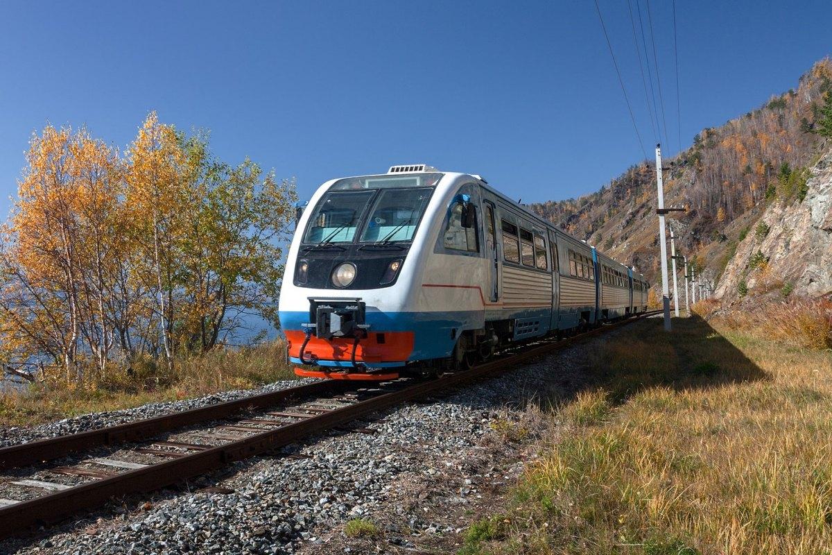 Russia-Baikal-Trans-Siberian-Train2